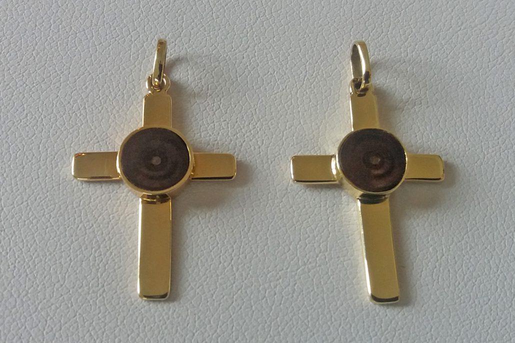Juwelier adoro fertig individuelle Goldkreuze