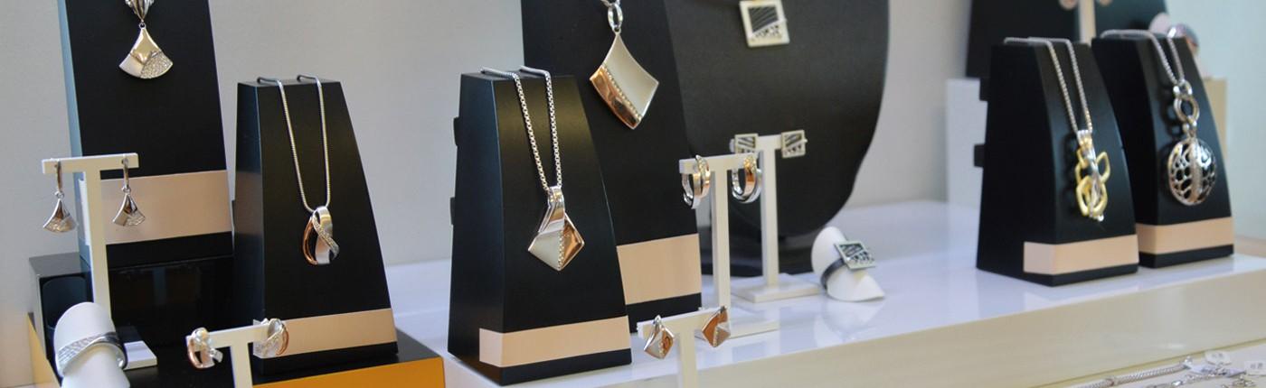 Juwelier adoro - Schmuck zeigt nicht, was man hat, sondern wer man ist