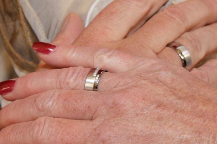 Juwelier adoro ist Ihr Partner wenn es um Eheringe geht
