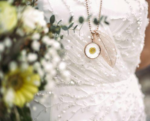 Blumenkind Uhr Anhänger Blatt Juwelier Rohrbach