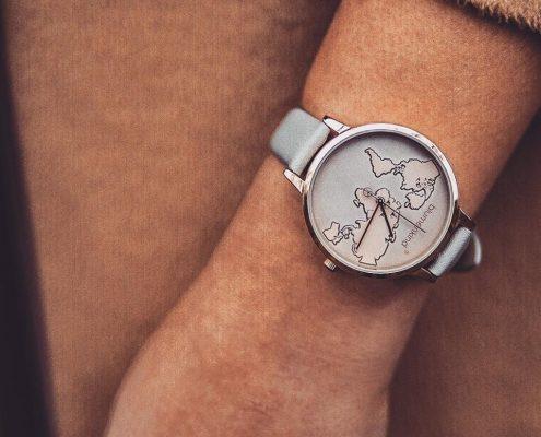 Blumenkind Uhr Weltkugel Juwelier Rohrbach