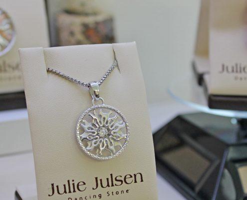 Julie Julsen Dancing Stones Juwelier Rohrbach