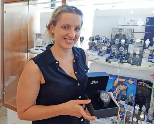 Lotus Chronograph Gewinnerin Vatertag Juwelier adoro