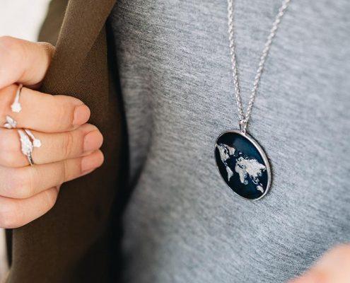 Julie Julsen Anhänger Weltkugel Juwelier adoro Altenfelden